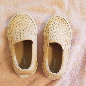 toddler girl slip on shoes.